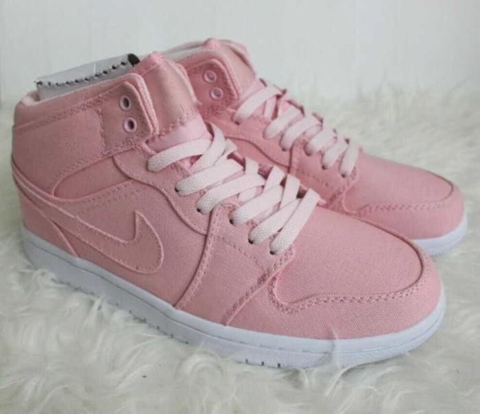 Jual Sepatu Nike Air Jordan 1 Mid Girls Easter Pink - Premium ... bfc8bb7a7