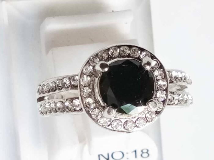 harga Vee  cincin wanita zircone silver plated c14 - black Tokopedia.com