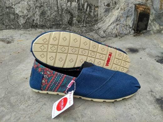 harga Sepatu wakai slip on navy batik flat shoes unisex cewek cowok grade or Tokopedia.com