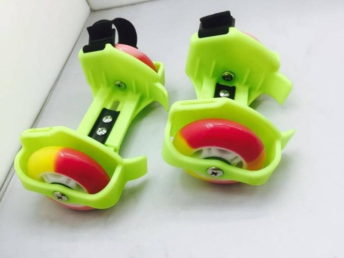 Flashing Roller Sepatu Roda Anak Dengan Flashing Light - Daftar ... b7975bae8c