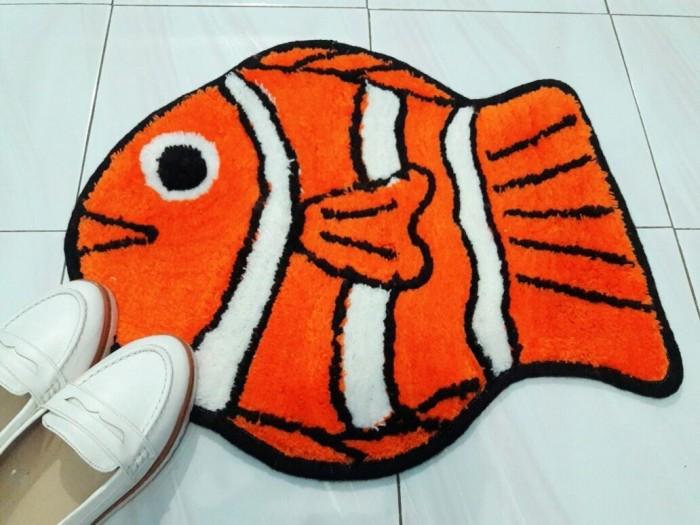 Keset kaki lucu bahan woll karakter ikan nemo