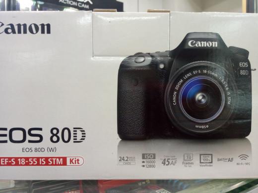 harga Canon eos 80d kit ef-s 18-55mm f/3.5-5.6 is stm built-in wifi. Tokopedia.com