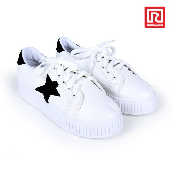 Jual Sepatu Sneakers Tali Basic Aksen Bintang by DIESEL - (07920047) -  Ramayana Dept Store - OS  792e9dca5c