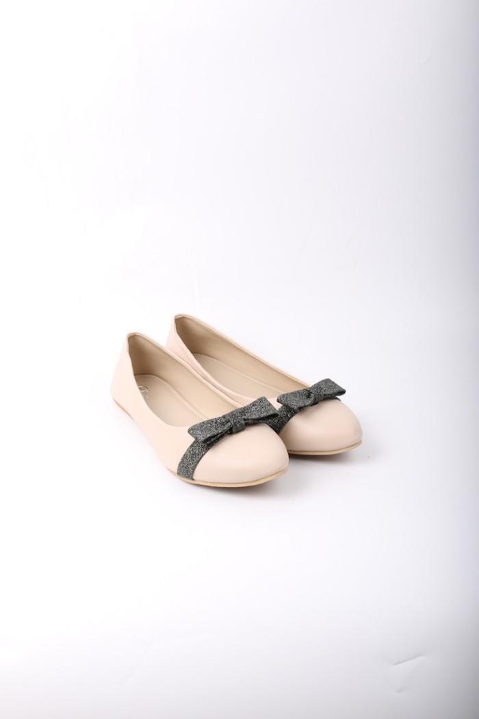 Foto Produk Blow Flat Shoes BG 09 Cream Sepatu Wanita dari Supertu