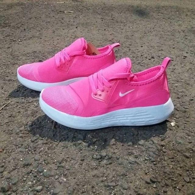 Jual Diskon Nike apparel for woman sepatu cewe kado cewe sepatu ... e3d4e00a1f