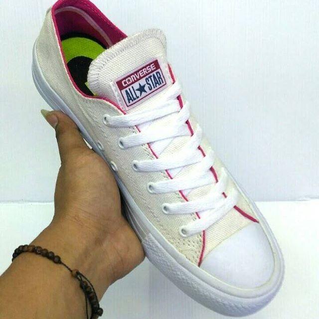 Jual Converse in pink   sepatu running   sepatu fitness   sepatu ... 90e9e2b12c