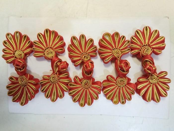 harga Kancing Cheongsam Imlek Merah Emas Gold Perempuan Kain Bunga 5 Pasang Tokopedia.com