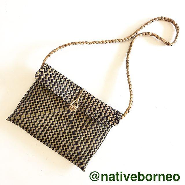 harga Tas selempang purun motif sling bag anyaman rotan motif dayak etnik Tokopedia.com