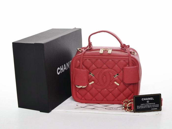 1acc044b7449 Jual CHANEL VANITY CASE RED WITH BOX YR1801 - Kota Batam - dhaffy ...