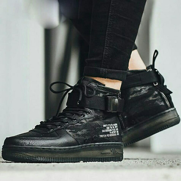 detailed look 53c69 9c96b Jual Nike Air Force Special Field Mid Tiger Black - Marqces Fashion |  Tokopedia