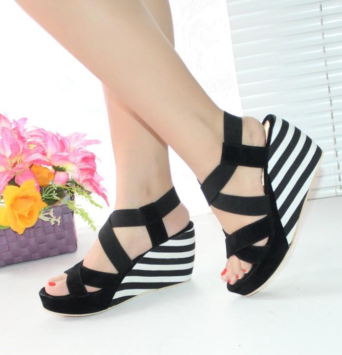 Sepatu Wedges Zebra Hitam Putih