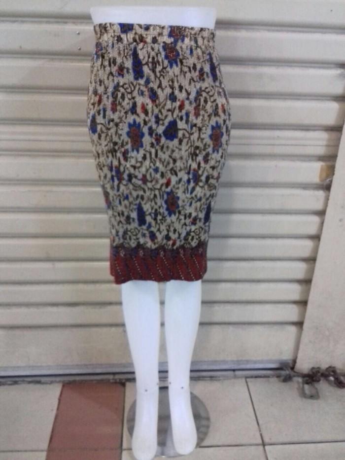 harga Cindy rok span plisket pendek batik bhn katun batik silk fit to xxl Tokopedia.com