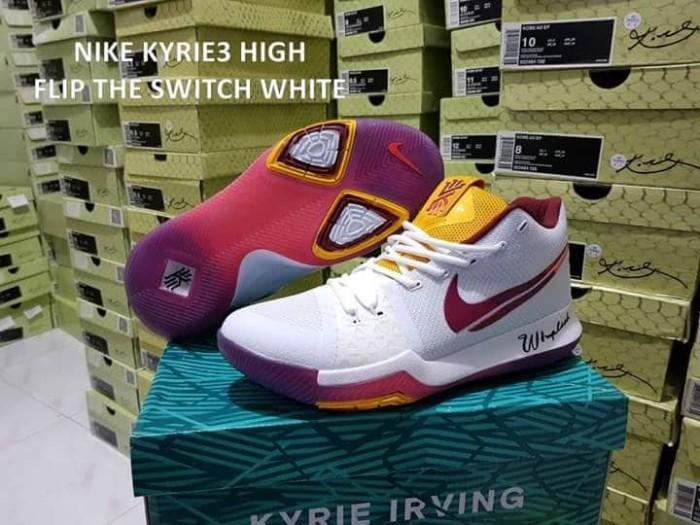 93183aa8b140 Jual sepatu basket nike kyrie 3 flip the switch white - Kota Batam ...