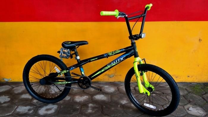 SEPEDA ANAK/BMX 20 EXOTIC 9982 GX TORPEDO FREESTYLE SATIN BLACK GREEN.
