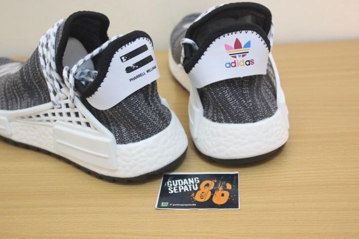 62f393be28037 Jual Sepatu Adidas NMD Human Race Trail x Cloud Mood Pharrell ...