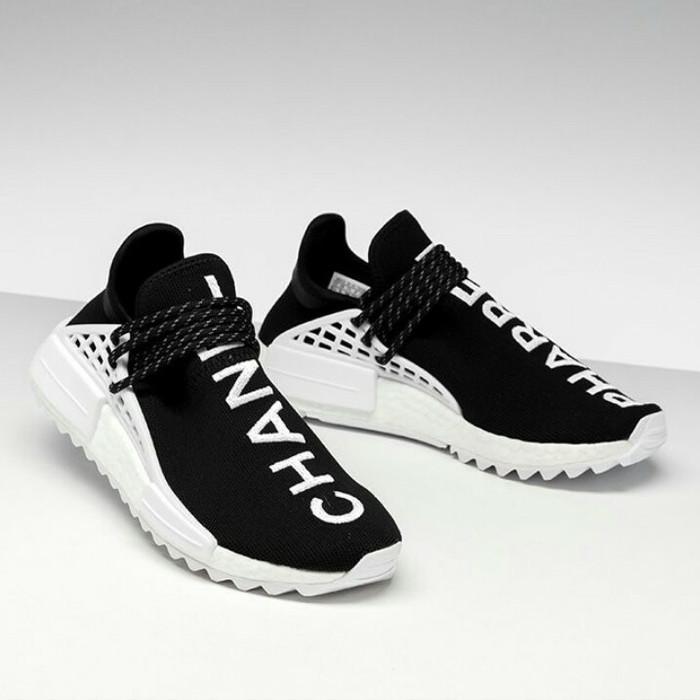 cheaper 5df66 a05cd Jual sepatu Adidas NMD Human Race Chanel Pharrell - Black White - DKI  Jakarta - AkbarSneakers | Tokopedia