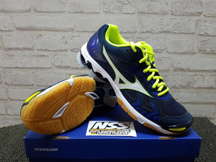 Mizuno Sepatu Volleybadminton V1ga150004 Wave Lightning Z Silver ... c038e5c19c