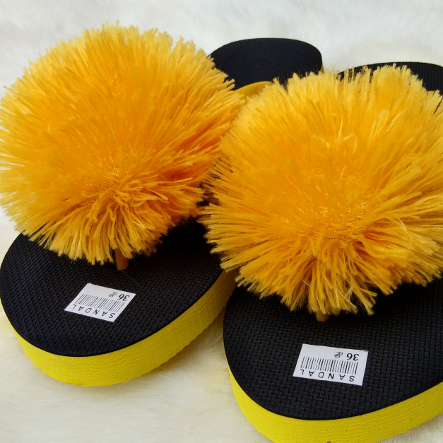 Sandal Spon POMPOM TEPLEK MIX KUNING - HITAM Kualitas Super