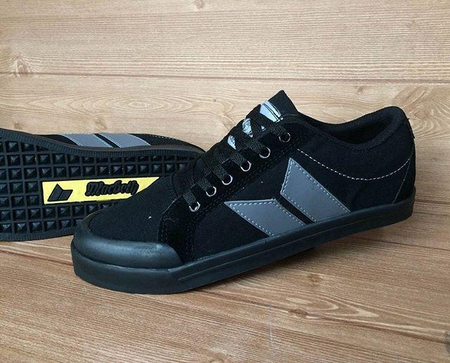 harga Macbeth shoes / sepatu cowo / kado cowo / sepatu running / sneakers Tokopedia.com