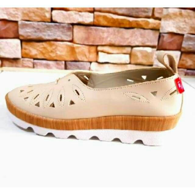 harga Sepatu kickers / lee shoes original sepatu wanita sepatu cewek Tokopedia.com