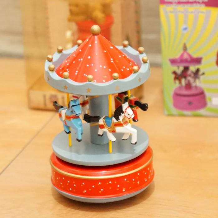 harga Hadiah ultah, kado,kotak musik carousel, merry go round, komedi putar Tokopedia.com