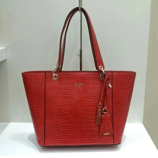 ... harga Tas wanita guess original kamryn tote red croco Tokopedia.com 480c15fe33