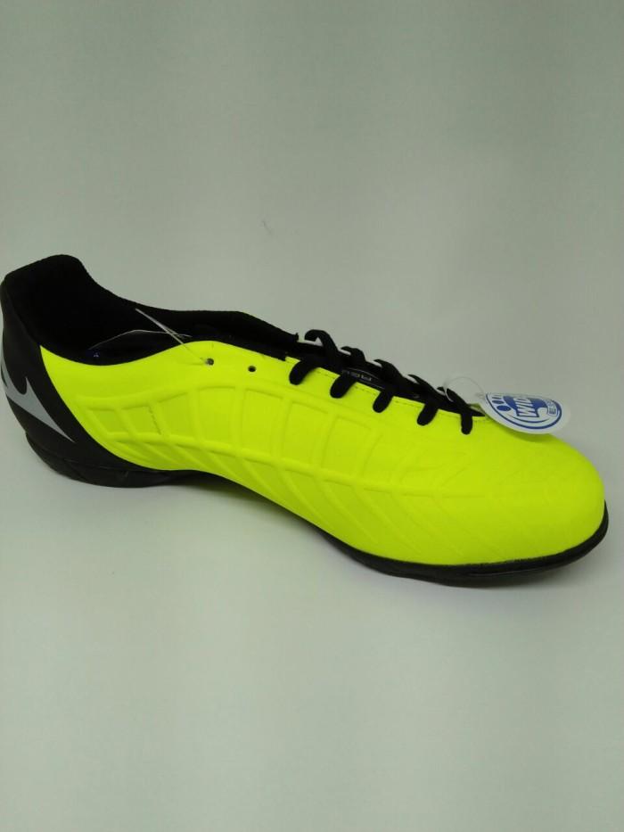 Jual Sepatu futsal mizuno original Rebula V3 IN Stabilo black new ... 991133c338