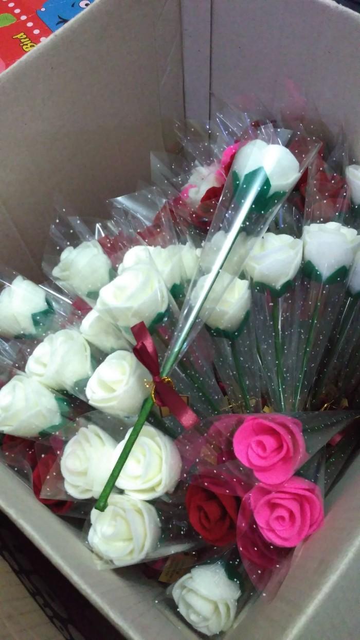 Jual Bunga Mawar Tangkai Kemas Plastik Mawar Flanel Setangkai 6f71e4e26b