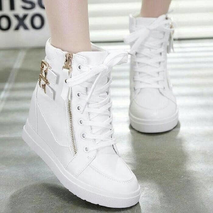 Sepatu Wanita Cewek BOOTS GESPER 2 SLETING PUTIH Model Baru Murah
