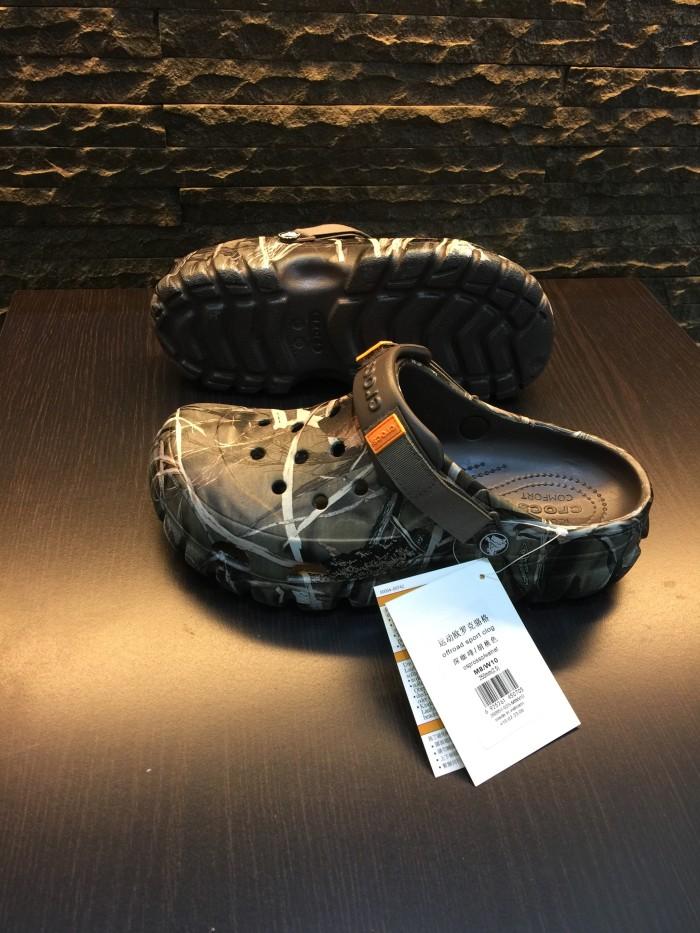 harga Sandal crocs pria offroad kamuflase Tokopedia.com