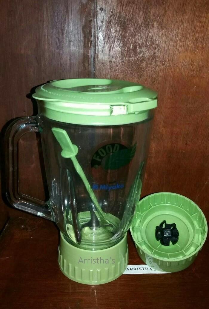 Gelas blender kaca miyako 15 ltr. konector plastik.