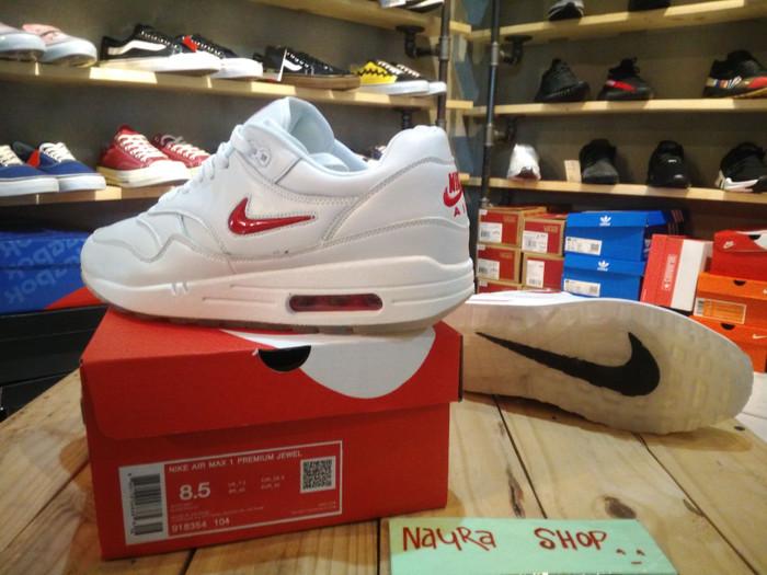 Jual Nike Air Max 1 Jewel White Red 918354 104 Sneaker Sport Grade Original Kota Bandung Socca Shoes | Tokopedia