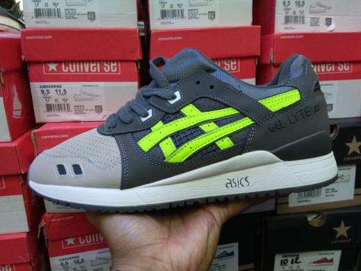 buy online d3d39 b5428 Jual asics Gel Lyte iii 3 super green Ronnie Fieg - Kota Administrasi  Jakarta Selatan - Tony Sneakers   Tokopedia
