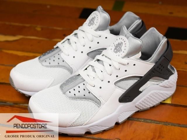 c0eae4b3f44 Jual Sepatu Nike Air Huarache 318429-103 Sneakers Casual ori - DKI Jakarta  - Pendopo-store | Tokopedia