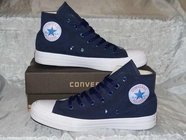 ... Sepatu Casual Sekolah   Converse All Star Chuck Taylor High Classic 3 -  Blanja.com ... 7f6b020e7e