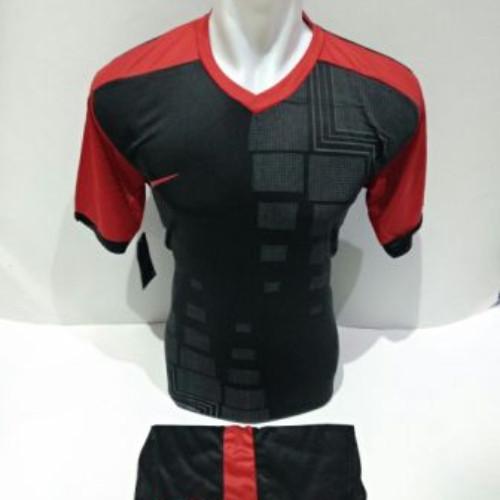 130ea1458f ... harga Setelan olahraga kaos bola jersey futsal baju volly nike hitam  merah Tokopedia.com