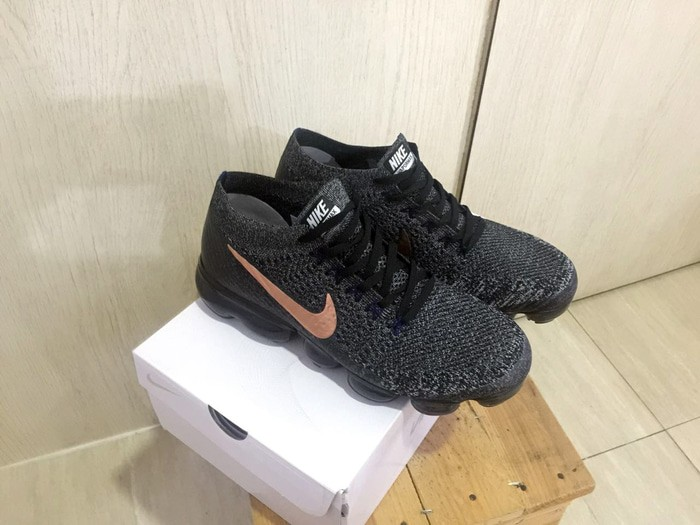 best service aaa3b 83a16 Jual Nike Air Vapormax Explorer Dark Black Metallic Red Bronze Real PIC -  Kota Medan - Oppa Sneakers | Tokopedia