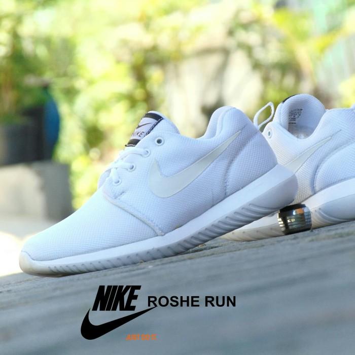 nike roshe run full white
