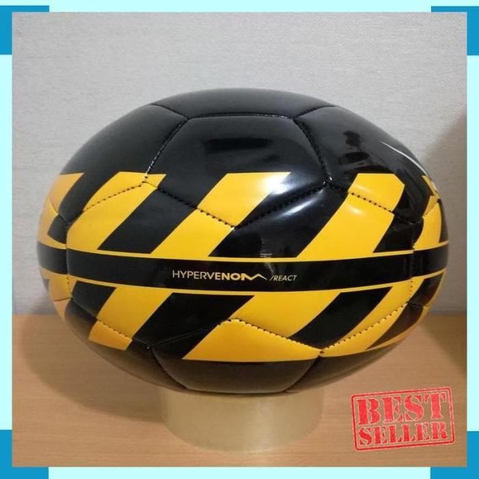 43a98d85acaa19 Jual Best Bola FOOTBALL / SOCCER ORIGINAL NIKE Hypervenom - Kab. Kudus -  putra mandala 1 | Tokopedia