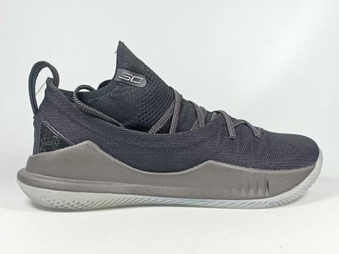 Jual Sepatu Basket Under Armour Curry 5 Low Pi Day Replika Impor ... 37a50d2044