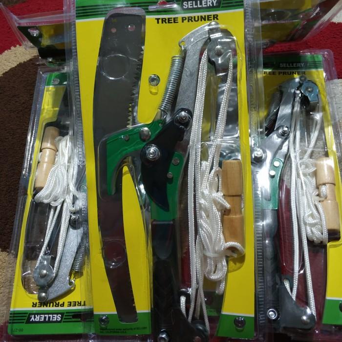 harga Gergaji dahan tinggi + gunting panen rambutan kelengkeng sellery Tokopedia.com