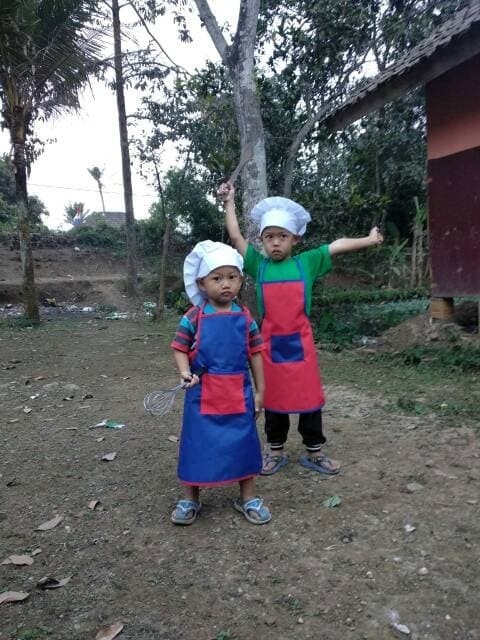 Jual Set Apron Celemek Topi Koki Chef Anak - NiyangRang  e68ff2fe5c