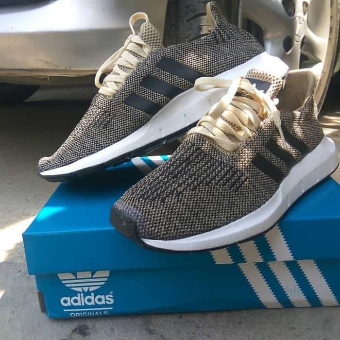 1534924444847 Jual Sepatu Sneakers Adidas Swift Run Gold Original - Gallery Modis ...