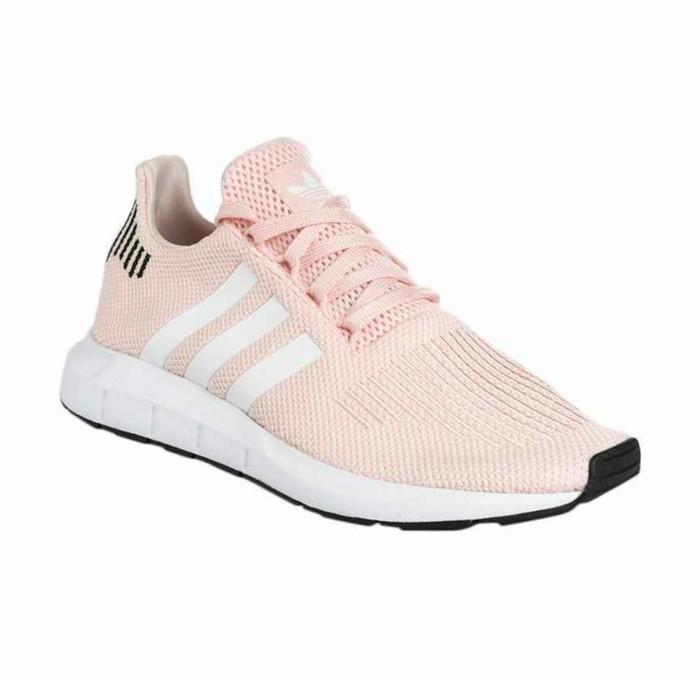 Jual adidas Originals Women Swift Run Shoes Sepatu Olahraga Wanita ... 8be24166f5
