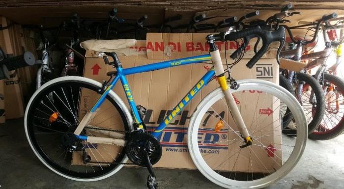Jual Sepeda Fixie Balap United Slick 71 Modif Stang Balap Frame Alloy Kota Tangerang Selatan Asriollshoptwentythree Tokopedia