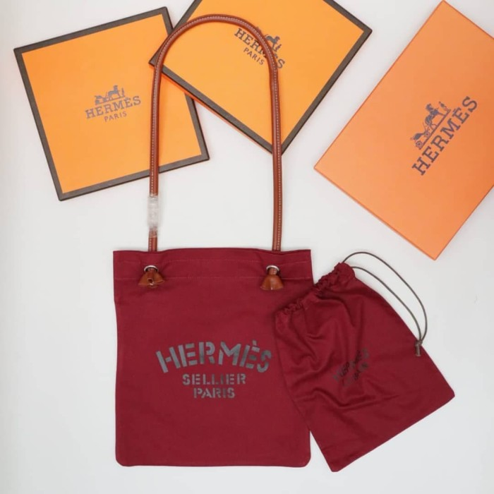 a95c9cbc3 Jual HERMES ALINE CANVAS GROOMING BAG WITH POUCH Rp 1.950.000 ...