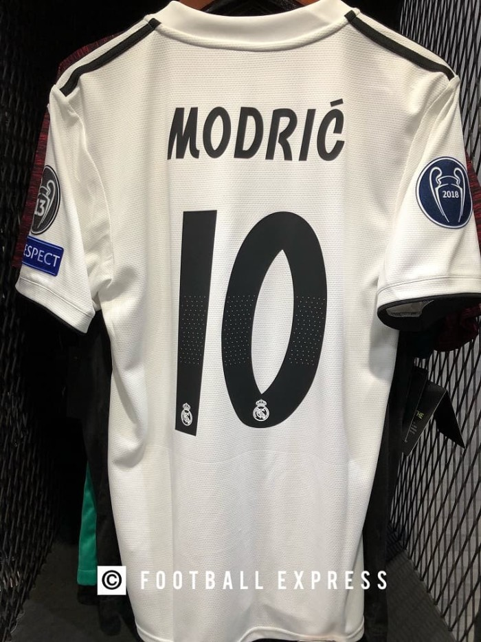 sneakers for cheap b5987 fc313 Jual Jersey Original Real Madrid Home Modric & Full Patch UCL 2018-19 -  Putih, XL - DKI Jakarta - football express | Tokopedia