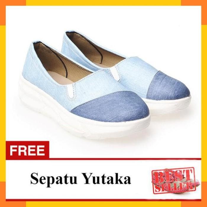 Yutaka sepatu slip on Biru Free Sepatu Flat shoes pink