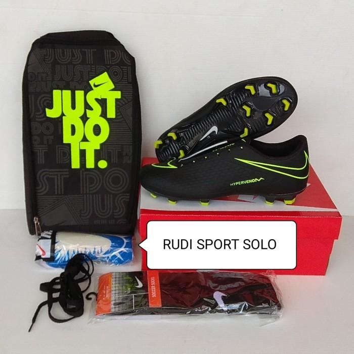 Foto Produk Paket Hemat Sepatu Bola 01 dari rudisport solo