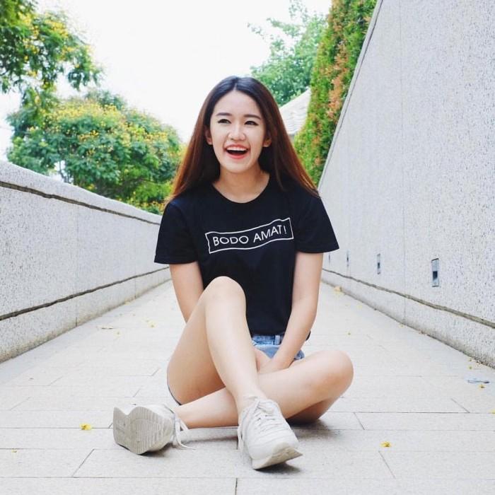 NEW Kaos Wanita - Tumblr Tee Lengan Pendek Bodo Amat - Pink